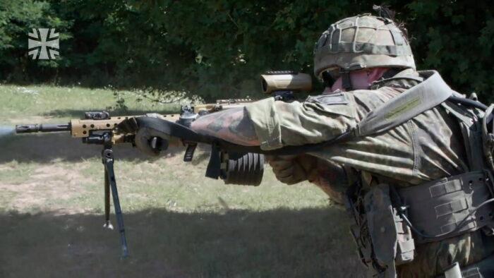 Стрельба с использованием штурмовой рукоятки