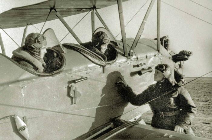 Летчицы 588 ночного бомбардировочного полка
