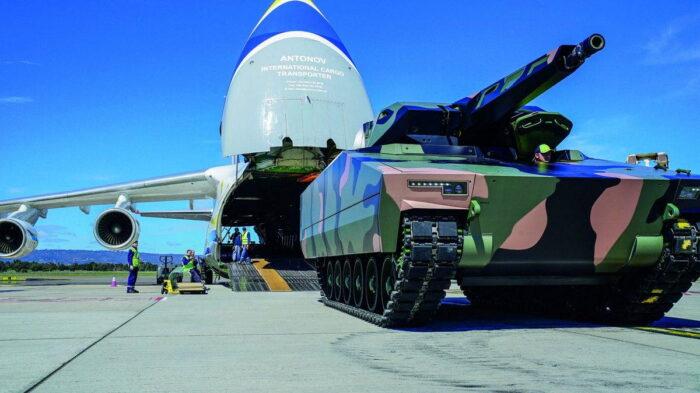 Выгрузка БМП Lynx KF41 в Австралии