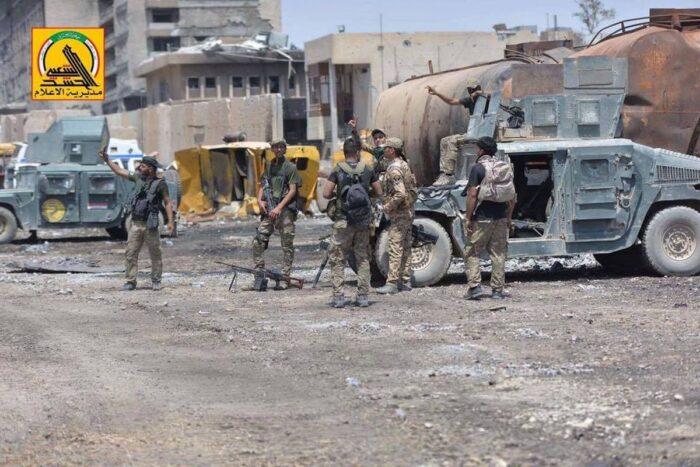 Бронированные «Хамви» армии Ирака на улицах Мосула