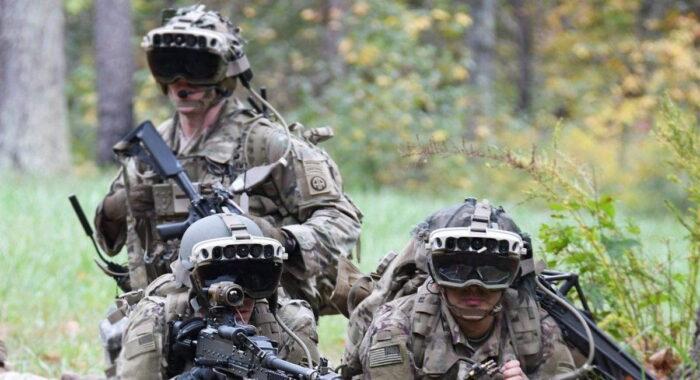Группа солдат, оснащенная IVAS
