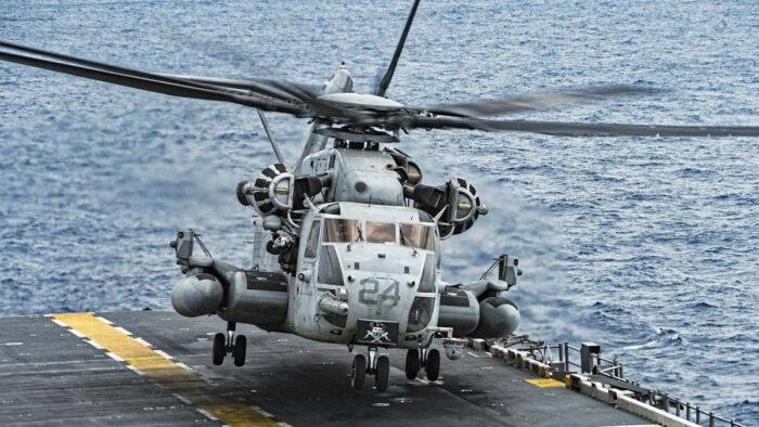 Вертолет Sikorsky CH-53E Super Stallion