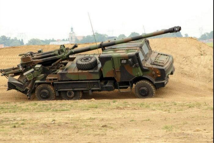 155-мм САУ CAESAR