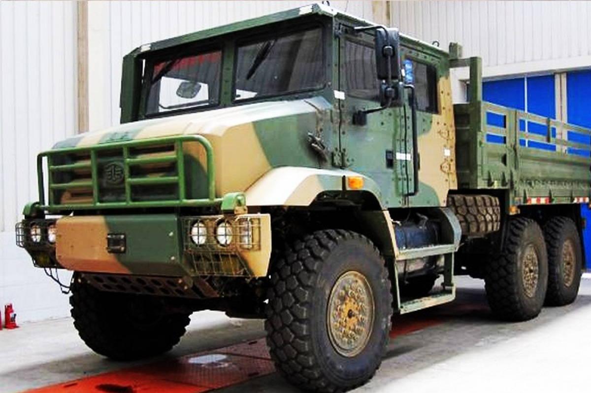 Армейский автомобиль НОАК типа MV3