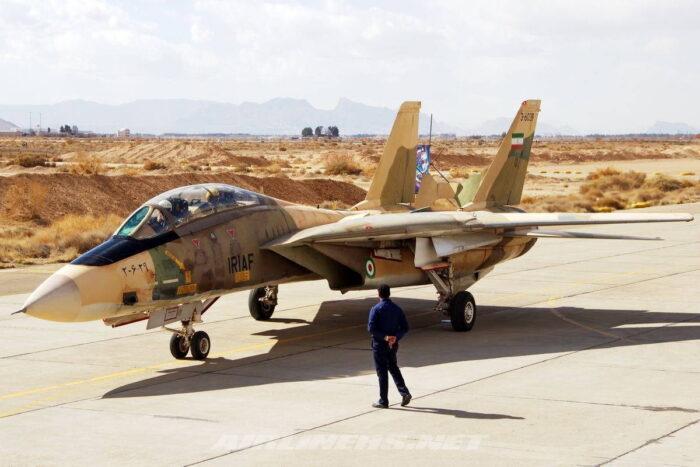 Тяжелый истребитель F-14 ВВС Ирана