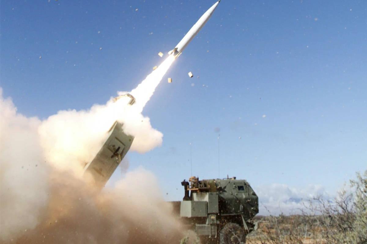 Высокоточная управляемая ракета армии США рекордной дальности