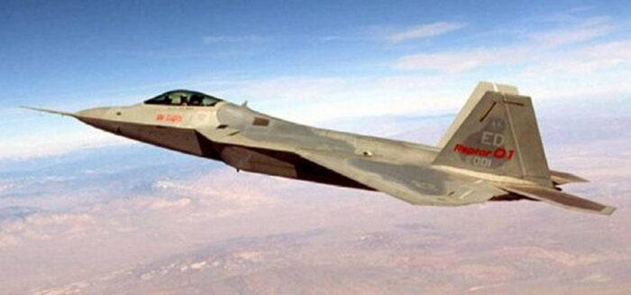 Истребитель F-22 «Раптор» ВВС США