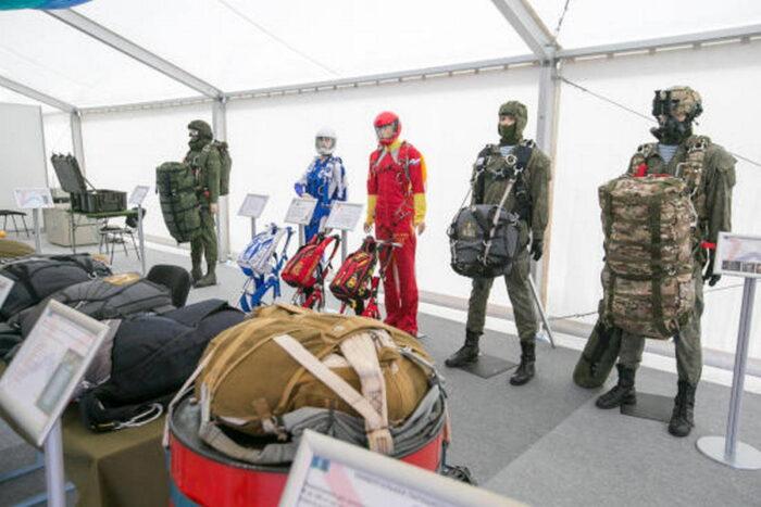 Демонстрация продукции парашютного завода «Полет» на «Армия-2021»