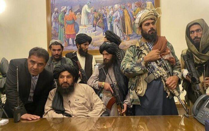 """Талибан"" в президентском дворце Кабула"